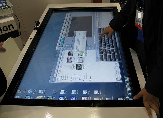 Surface Acoustic Wave Touchscreen Technology En Touch